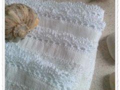 Koronkowa łazienka (2): Małe ręczniki